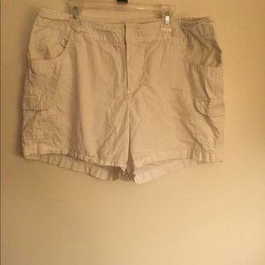 Caribbean Joe cream shorts